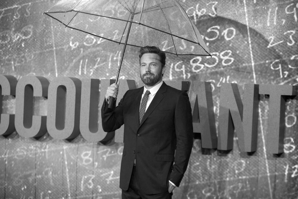เบน แอฟเฟล็ค นำทีมร่วมงาน The Accountant European Premiere ท่ามกลางสายฝนเปิดตัวกันไปเป็นที่เรียบร้อยแล้วกับงาน The Accountant European Premiere