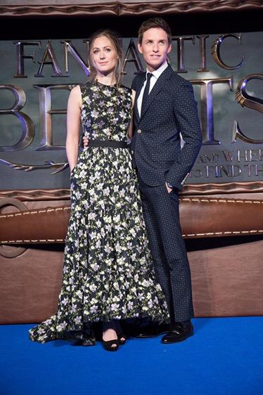 อลังการงานเปิดตัว Fantastic Beasts and Where To Find Them ที่อังกฤษแฟนคลับแห่ให้กำลังใจคับคั่ง