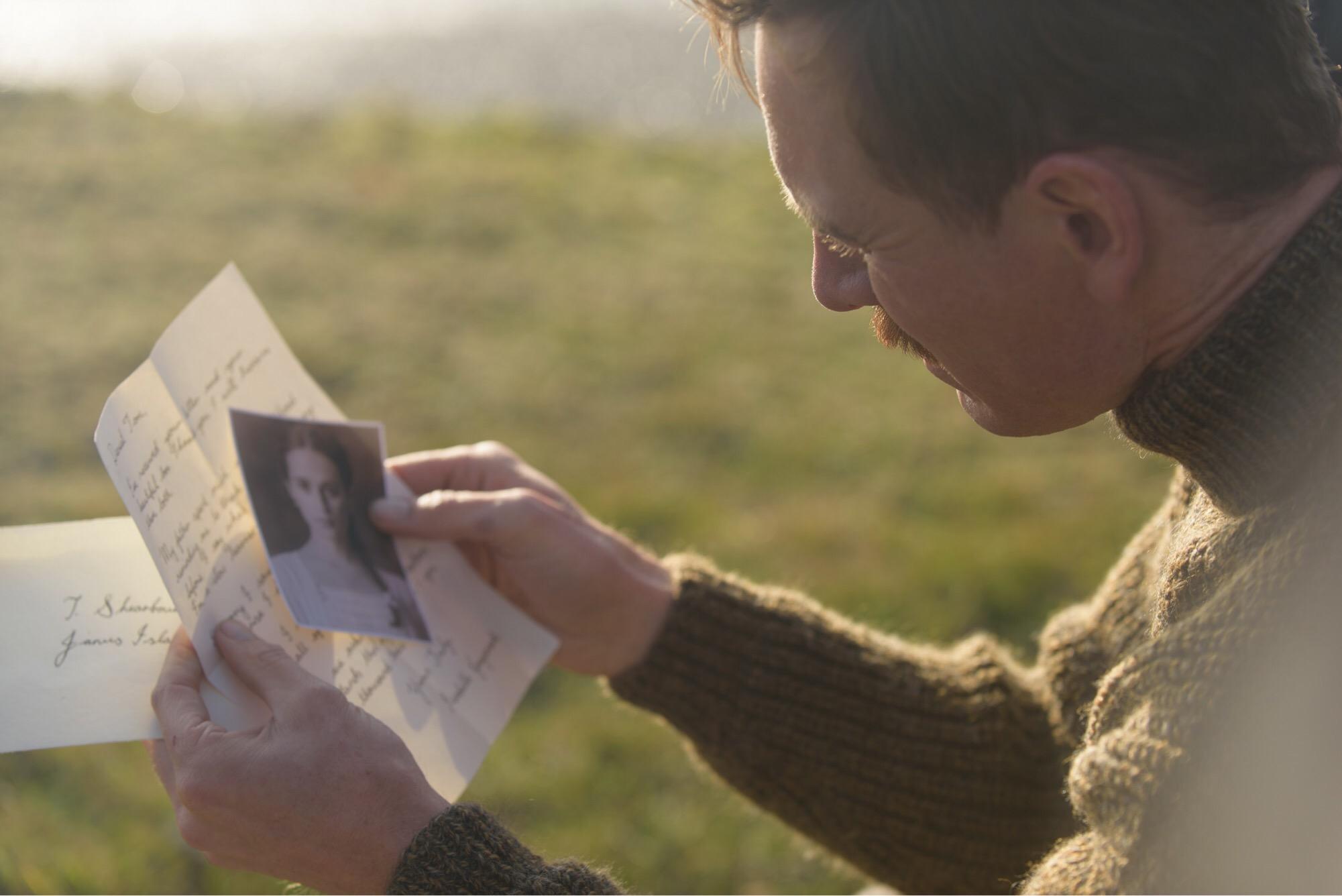 """5 ภาพใหม่ หัวใจสลายไปกับหนังรักปาดน้ำตา""""The Light Between Oceans อย่าปล่อยให้รักสลาย""""งานพิสูจน์ฝีมือผู้กำกับ Blue Valentine (บลู วาเลนไทน์)"""
