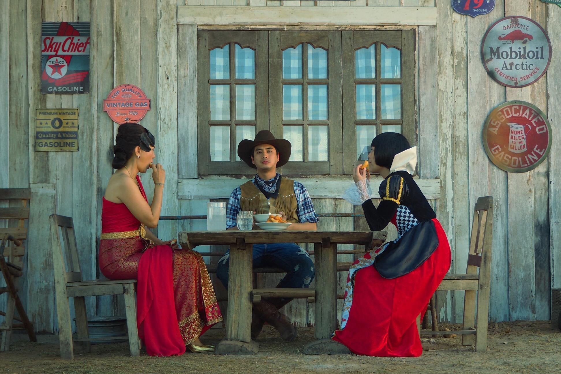 """งานใหม่ของผู้กำกับ """"กอล์ฟ ธัญญ์วาริน""""ได้รับเลือกเข้าฉายในเทศกาลภาพยนตร์นานาชาติปูซาน""""ปั๊มน้ำมัน A Gas Station"""" พร้อมฉาย 8 ธันวาคมนี้"""