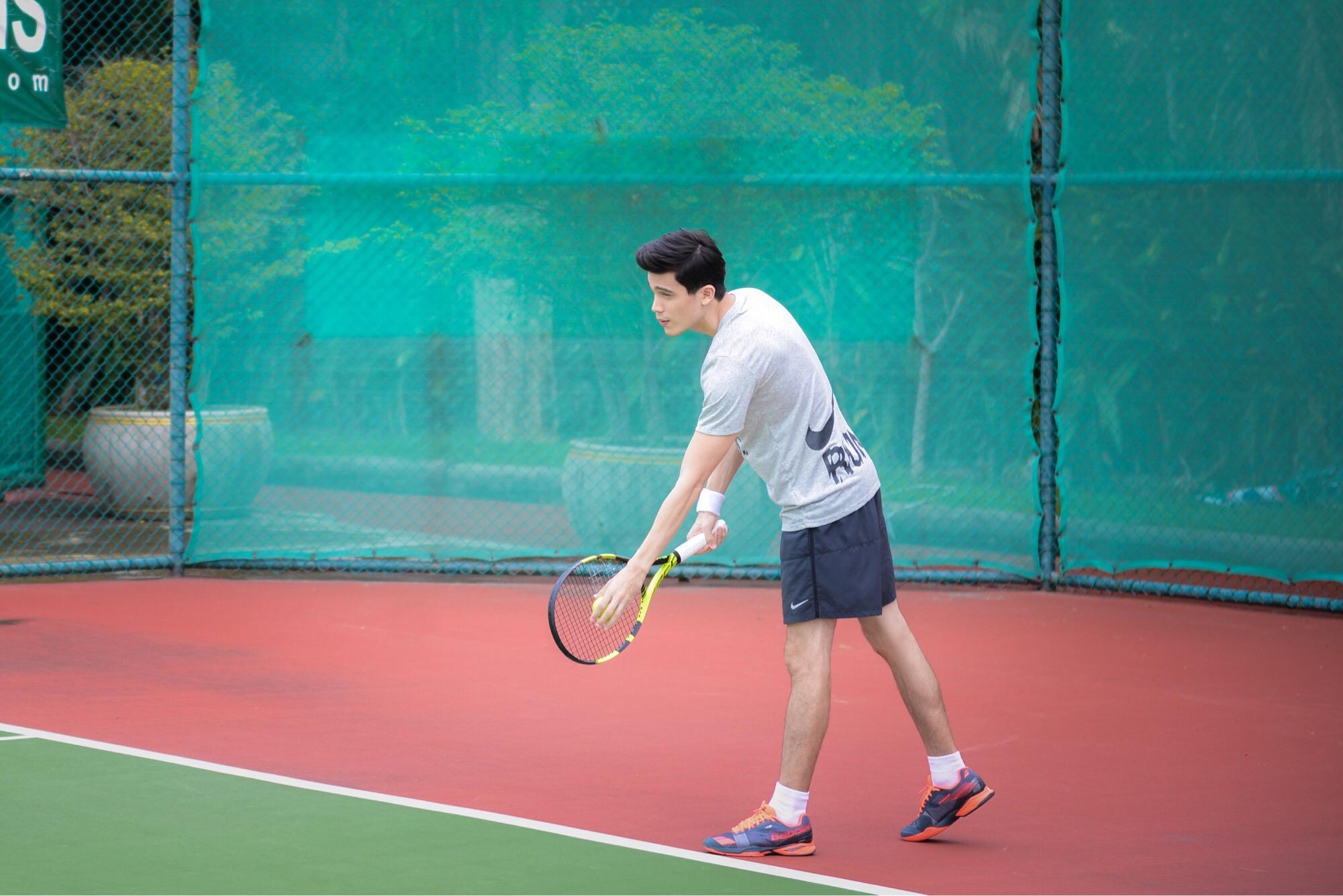 """""""ซันนี่"""" ฟิต เฟิร์ม เสริมกล้าม!!!พร้อมมากกับบท """"นักเทนนิส"""" ใน """"มิสเตอร์เฮิร์ท มือวางอันดับเจ็บ"""""""