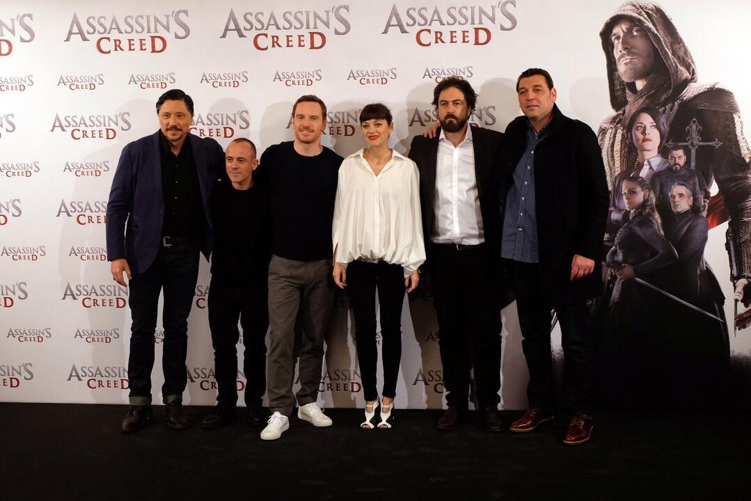 มารียง โกตียาร์ด ควง ไมเคิล ฟาสเบนเดอร์ นำทีมโปรโมท Assassin's Creed ที่ มาดริด