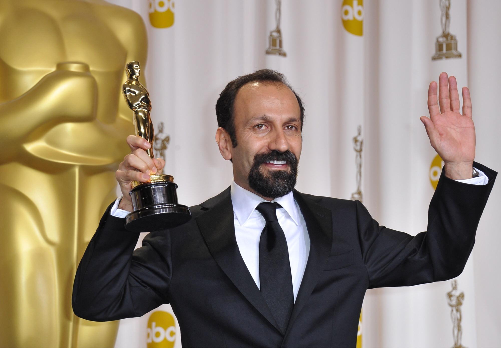 ต่อให้โลกรุนแรงและเกลียดชัง ภาพยนตร์จะรวมเราให้เป็นหนึ่งอัสการ์ ฟาร์ฮาดี ผู้กำกับ The Salesman ( เดอะ เซลส์แมน )ประกาศไม่เข้าร่วมงานประกาศผลรางวัลออสการ์หลังทรัมป์ ประกาศนโยบาย ห้ามมุสลิม จาก 7 ประเทศเข้าอเมริกา